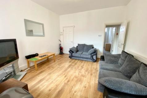 60 Clough Road - VIRTUAL VIEWINGS AVAILABLE. 5 bedroom house share