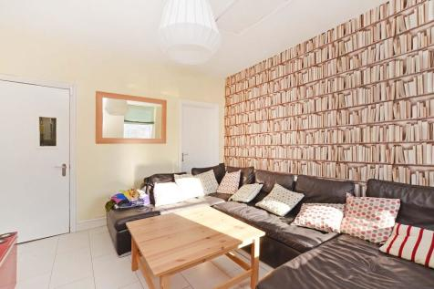 104 Charlotte Road - STUDENT PROPERTY. 5 bedroom house share