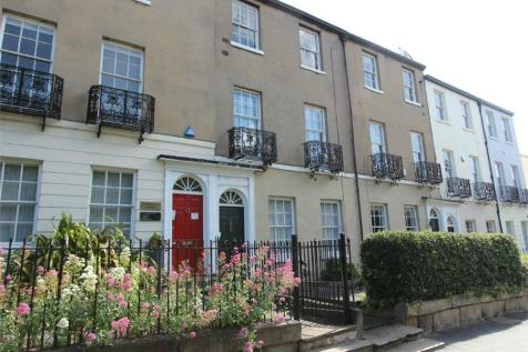 11 South Parade, Bennetthorpe, DONCASTER, DN1. 2 bedroom apartment for sale