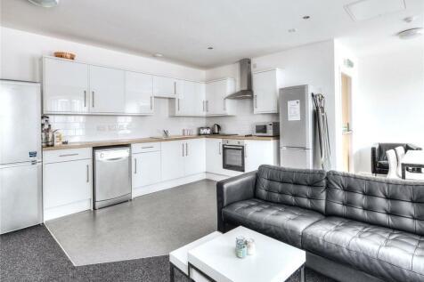 Thread Works, Huddersfield, HD1. 7 bedroom apartment