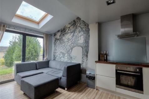 5 Plane Street, Huddersfield, HD4. 5 bedroom property