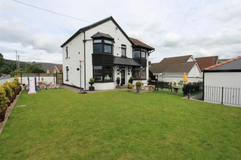 Pontygwindy Road, Caerphilly. 5 bedroom detached house