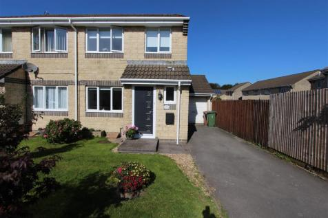 Ware Road, Caerphilly. 3 bedroom semi-detached house