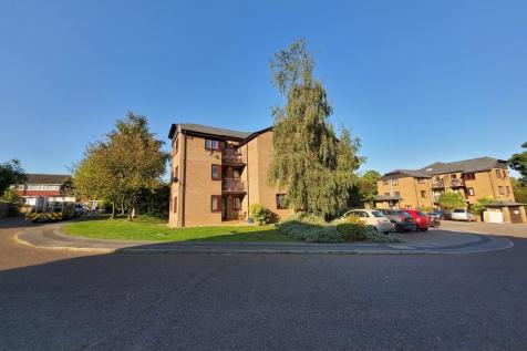 Cedar Close, Burckhurst Hill. 2 bedroom apartment