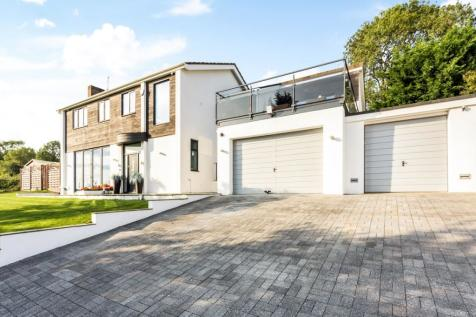 Roseneath Close Chelsfield Park BR6. 5 bedroom detached house