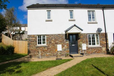 Chyvelah Vale, Gloweth, Truro, TR1. 3 bedroom semi-detached house