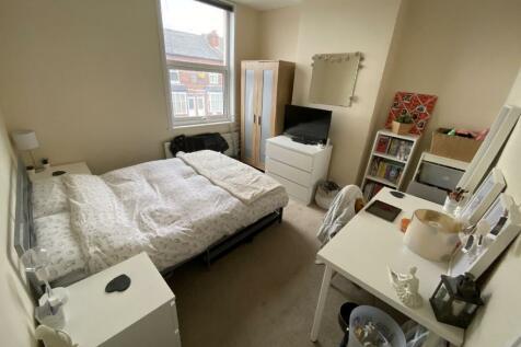 Winnie Road, Selly Oak, Birmingham, West Midlands, B29. 3 bedroom house