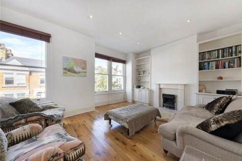 Danehurst Street, Fulham, London, SW6. 3 bedroom maisonette