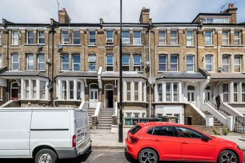 Maygrove Road, West Hampstead, London, NW6. 3 bedroom flat
