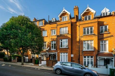 Denning Road, Hampstead, London, NW3. 2 bedroom flat