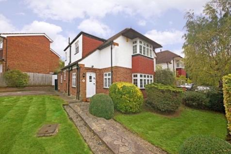 Coombe Road, Bushey Heath, Hertfordshire, WD23. 3 bedroom detached house