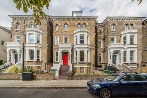 Lancaster Grove, Belsize Park, London NW3. 3 bedroom flat