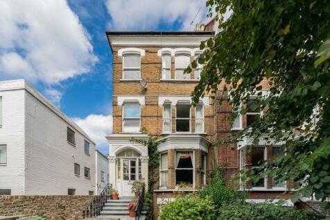 Greencroft Gardens, South Hampstead, London, NW6. 3 bedroom flat