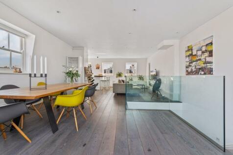 Stanley Gardens, Westbourne Grove, London, W11. 3 bedroom flat