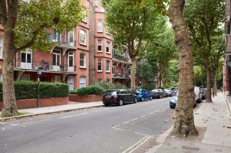 Lissenden Gardens, Dartmouth Park, London, NW5. 3 bedroom flat