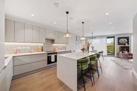 Penthouse, The Arbor Collection, Kilburn, London NW6. 3 bedroom flat for sale