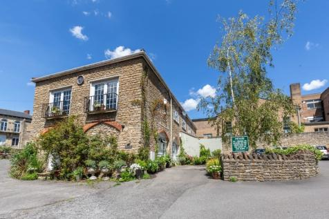 Willow Vale, Frome, Somerset, BA11. 5 bedroom detached house