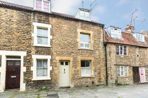 Sheppards Barton, Frome, Somerset, BA11. 2 bedroom terraced house for sale