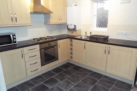 Rhosddu Court, Rhosddu Road. 1 bedroom flat