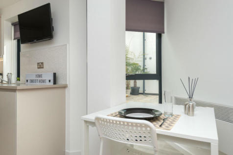 Exeter. Studio apartment