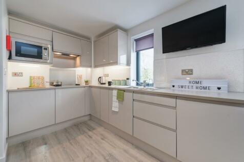 Exeter-Zero Deposit Scheme Available. Studio flat