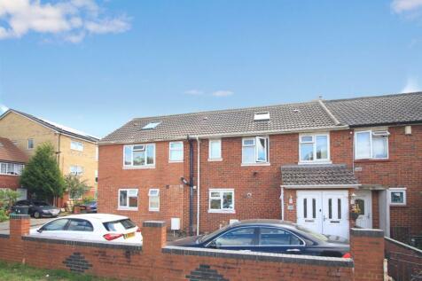 Northfield Road, Heston, TW5. 7 bedroom semi-detached house