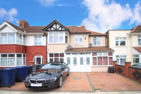 Park Avenue, Southall, UB1. 6 bedroom end of terrace house