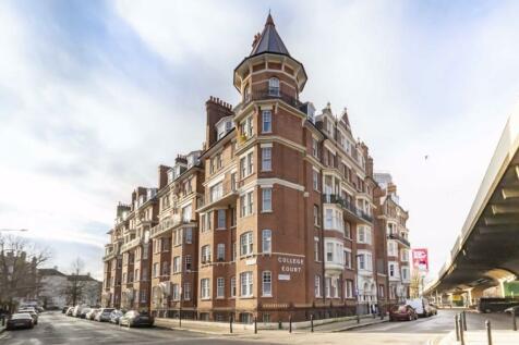 Queen Caroline Street, Hammersmith. 2 bedroom flat