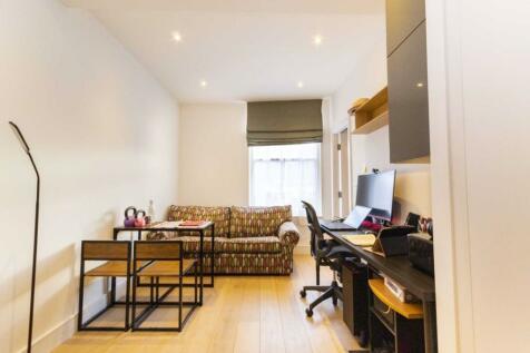 King Street, London. 1 bedroom flat
