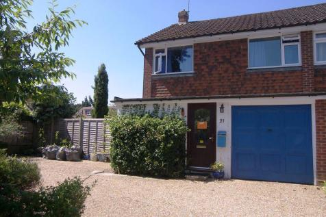 Great Bookham. 3 bedroom house