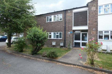 Great Bookham. 2 bedroom property