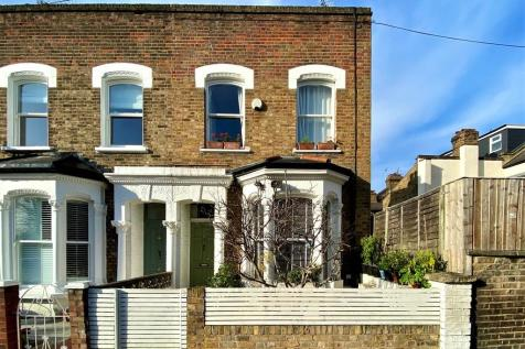 Thorpedale Road N4 4BS. 3 bedroom end of terrace house for sale