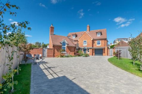 West Hayes, Lymington, SO41. 4 bedroom detached house