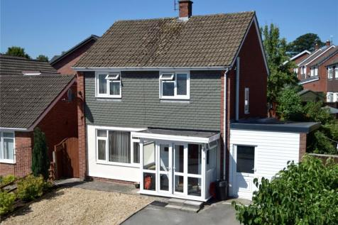 Dingle Road, Welshpool, Powys, Mid Wales - Detached / 3 bedroom detached house for sale / £175,000