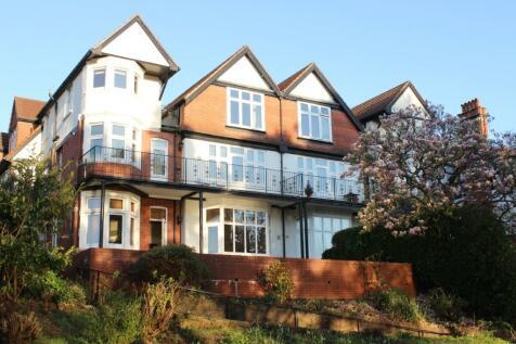 Glan Y Llyn, Lake Road East, Roath Park, Cardiff, CF23. 3 bedroom flat