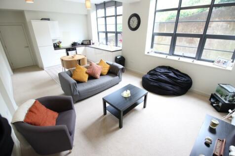 Pontypridd House, Tyfica Road, Graigwen, Pontypridd, CF37. 1 bedroom flat