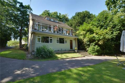 Kemnal Road, Chislehurst, BR7. 5 bedroom detached house for sale