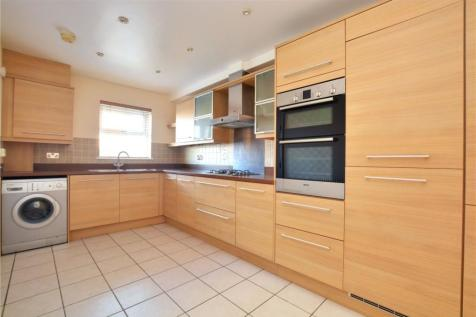 Gardenia Road, Bromley, BR1. 3 bedroom town house