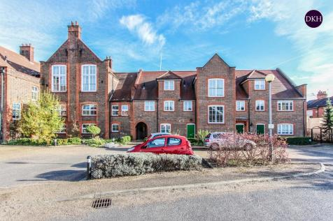 College Yard, North Watford. 1 bedroom apartment for sale