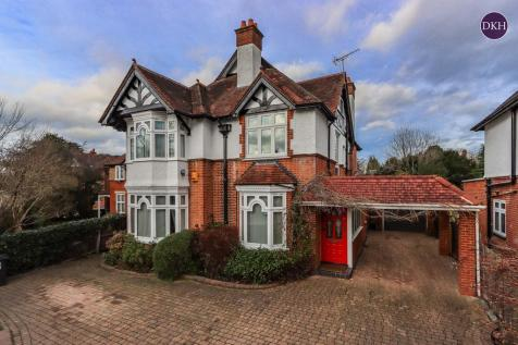 Hempstead Road, Watford. 6 bedroom detached house for sale