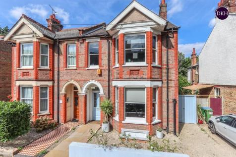 Mildred Avenue, West Watford. 4 bedroom semi-detached house for sale