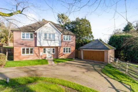Welland Close, Crowborough, East Sussex, TN6. 5 bedroom detached house for sale