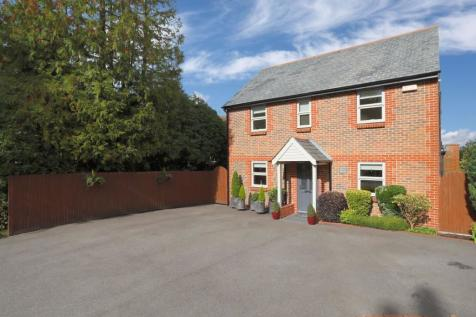St. Johns Road, Crowborough, East Sussex, TN6. 4 bedroom detached house for sale