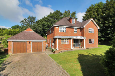 Southview Close, Southview Road, Crowborough, East Sussex, TN6. 5 bedroom detached house for sale