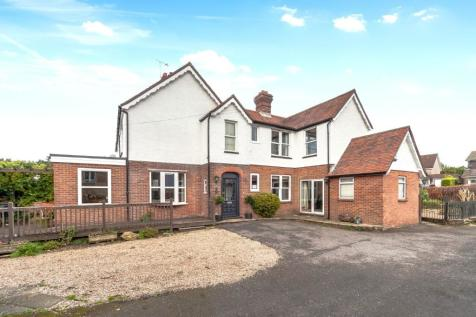 Blackness Road, Crowborough, East Sussex, TN6. 4 bedroom character property for sale