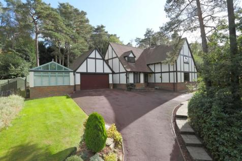 Kings Chase, Crowborough, East Sussex, TN6. 4 bedroom detached house for sale