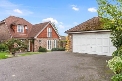 Off Crowborough Hill, Crowborough, East Sussex, TN6. 3 bedroom detached house for sale