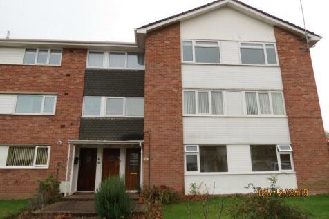 Deane Drive, Taunton, Somerset, TA1. 3 bedroom apartment
