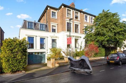 Lower Teddington Road, Kingston upon Thames, KT1. 5 bedroom semi-detached house for sale