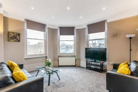 Churston Mansions, Bloomsbury, London, WC1X. 2 bedroom flat